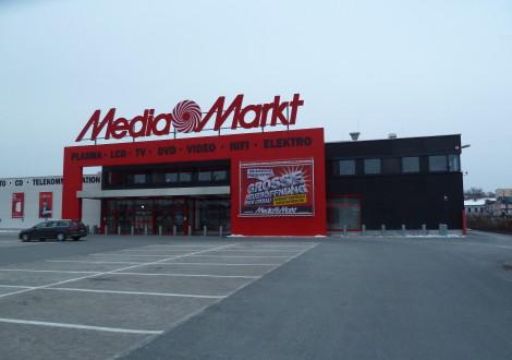 FABRINO Amitol Waschbetonfassade Media Markt Architekturbeton