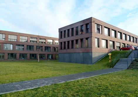 FABRINO Beton Fassade mit Matrize gesäuert Betogel