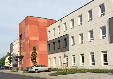 FABRINO Betonfassade gesäuert Bürogebäude Mikroauswaschgel 6