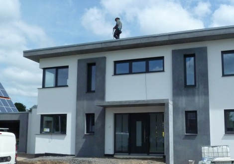FABRINO Betonfertigteile anthrazit Einfamilienhaus REBOxid
